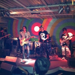 Photo taken at CHIQ Bar & Restaurant by Sasitorn L. on 11/23/2011