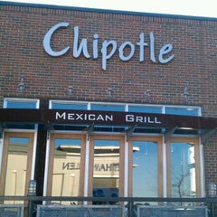 Photo taken at Chipotle Mexican Grill by Lee P. on 1/30/2012