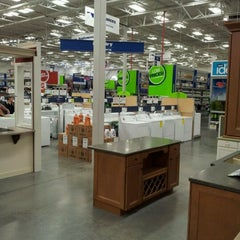 Photo taken at Lowe's Home Improvement by Jeff W. on 12/27/2011