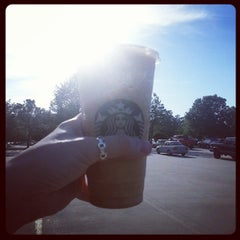 Photo taken at Starbucks by Melvin M. on 4/30/2014