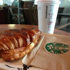 Photo taken at Starbucks by Cesandari D. on 6/11/2013
