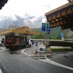 Das Foto wurde bei Traforo Monte Bianco [T1] - Piazzale Sud von Jarmo R. am 6/18/2014 aufgenommen