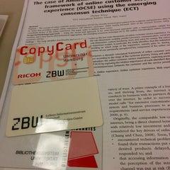 Das Foto wurde bei ZBW - Leibniz-Informationszentrum Wirtschaft Hamburg von Alexander H. am 1/2/2014 aufgenommen