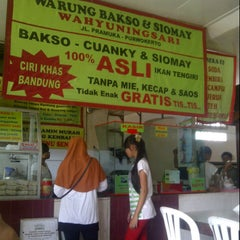 Photo taken at warung bakso & siomay wahyuningsari by Agung T. on 8/9/2013
