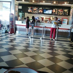 Photo taken at KFC by Ardila D. on 9/29/2014