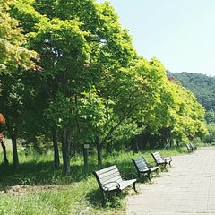 Photo taken at 섬진강휴게소 by 재택 임. on 5/6/2014
