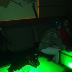 Photo taken at SukaSuka Karaoke Keluarga Dangdut by Memey A. on 5/21/2013