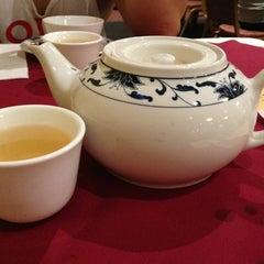 Photo taken at Big Gun Chinese Restaurant (廣州樓) by Sia M. on 10/6/2013