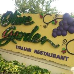 Photo taken at Olive Garden by Noura Z. on 9/1/2013