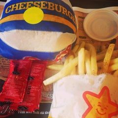 Photo taken at Carl's Jr. by Amy C. on 9/18/2014