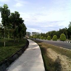 Photo taken at Universitas Riau (UR) by Aunur Rofi' D. on 10/12/2013