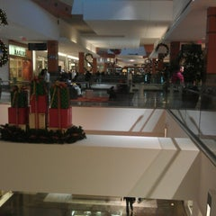 Photo taken at Westfield Wheaton by Jocelyn C. T. on 12/29/2012