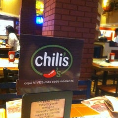 Photo taken at Chili's by Diiegho P. on 10/9/2013
