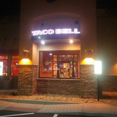Photo taken at Taco Bell by Rick S. on 12/5/2013