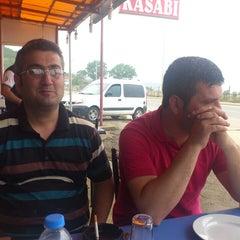 Photo taken at koç kardeşler kendin pisir kendin ye by Ömer S. on 5/25/2013
