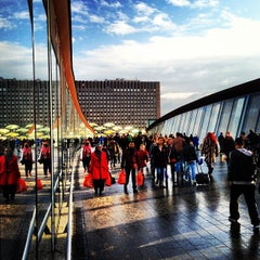 Photo taken at Westfield Stratford City by Andrew W. on 12/2/2012