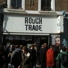 Das Foto wurde bei Rough Trade Records (West) von Stefano S. am 4/19/2014 aufgenommen