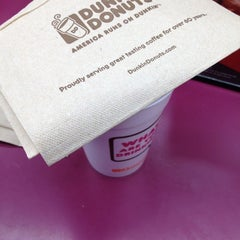 Photo taken at Dunkin' Donuts by Oscar A. on 10/9/2012