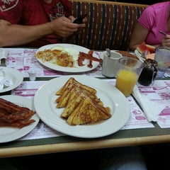 Photo taken at Sophia's House of Pancakes by Christopher E. on 6/29/2013