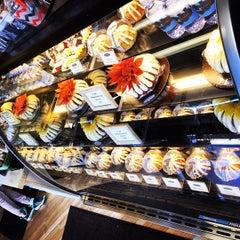Photo taken at Nothing Bundt Cakes - Manhattan Beach by Alberto M. on 11/26/2014