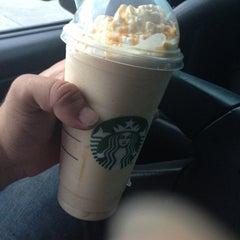 Photo taken at Starbucks by Cruz O. on 7/15/2013