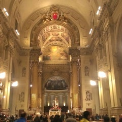 Photo taken at Cattedrale di San Pietro by Stefano S. on 12/24/2014