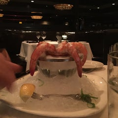 Photo taken at Morton's The Steakhouse by Cheearra E. on 5/23/2015
