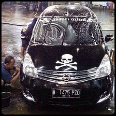 Photo taken at CM 99 Carwash by Bemby I. on 1/25/2014