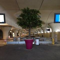 Photo taken at Gare SNCF de Paris Austerlitz by Thibault d. on 6/22/2013