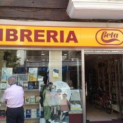 Photo taken at Librería Beta Asunción by Josmamu on 6/20/2013
