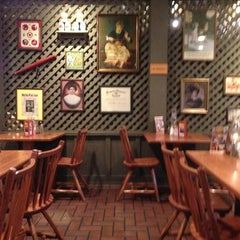 Photo taken at Cracker Barrel Old Country Store by Michael B. on 4/2/2013