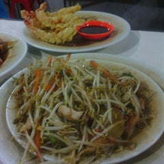 Photo taken at Qudama Japanese Food by Akhyar F. on 7/9/2013