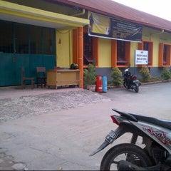 Photo taken at SMA Negeri 4 Medan by Antalekson M. on 5/28/2013