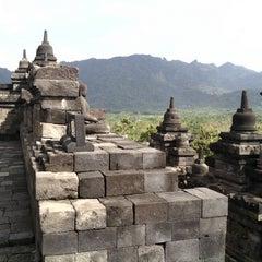 Photo taken at Candi Borobudur (Borobudur Temple) by Muhammad M. on 7/4/2013