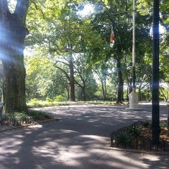 Photo taken at Lincoln Terrace Park by Tracey B. on 7/27/2013