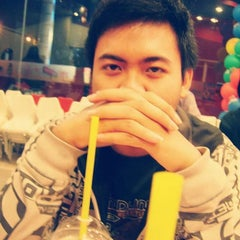 Photo taken at KFC / KFC Coffee by Rizqi A. F. on 12/8/2014