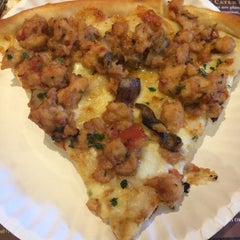 Photo taken at Umberto's Pizzeria & Restaurant by Casey B. on 12/29/2014