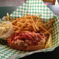 Photo taken at Yankee Lobster by Michael B. on 4/14/2013