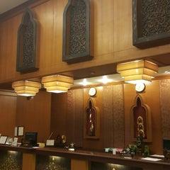 Photo taken at The Ligor City Hotel (โรงแรมเมืองลิกอร์) by Ronamedo N. on 3/7/2015