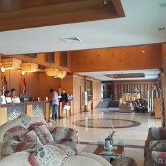 Photo taken at The Ligor City Hotel (โรงแรมเมืองลิกอร์) by Ronamedo N. on 2/25/2015