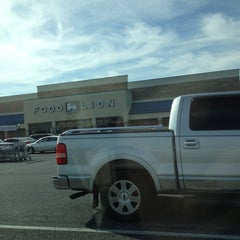 Photo taken at Food Lion Grocery Store by Joe M. on 9/3/2014