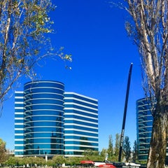 Photo taken at Oracle Plaza by Stanley D. on 9/23/2015