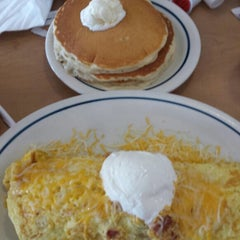 Photo taken at IHOP by Raquel A. on 1/8/2015