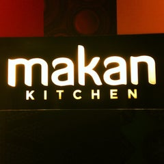 Photo taken at Makan Kitchen by MaYaTSaN on 7/13/2013