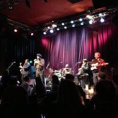 Photo taken at Dimitriou's Jazz Alley by Angel E. on 4/18/2013
