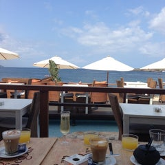 Photo taken at Sun Sea Bar by Ksenia S. on 8/20/2013