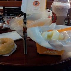 Photo taken at J.Co Donuts & Coffee by Fajar K. on 8/1/2014