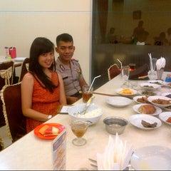 Photo taken at RM Padang SEDERHANA Pandanaran by via a. on 11/10/2012