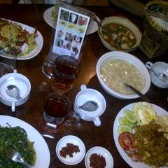 Photo taken at Telaga Seafood Restaurant by Anisha S. on 4/19/2014