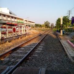 Photo taken at สถานีรถไฟศรีสะเกษ (Sisaket) SRT2273 by ศิริอาริยะ พ. on 4/20/2015